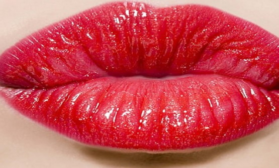 TREAT YOUR LIPS WITH LIP BLUSHING TATTOO