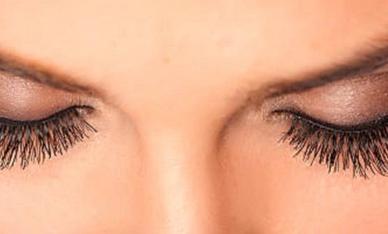 Enjoy your new lashes with Eyelashes Extensions